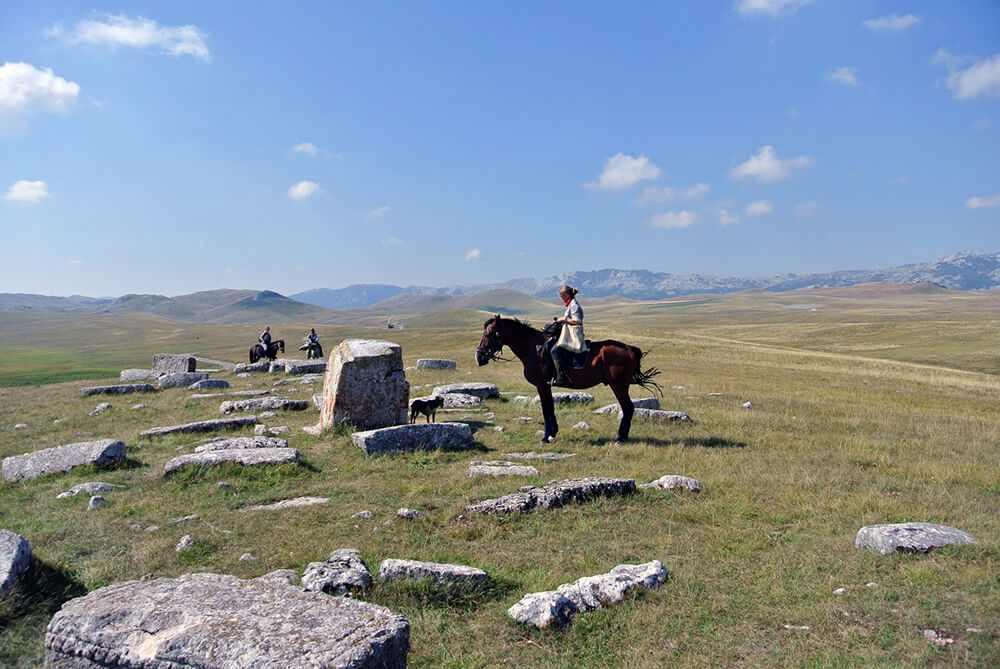 tombstones-in-Durmitor-compressed